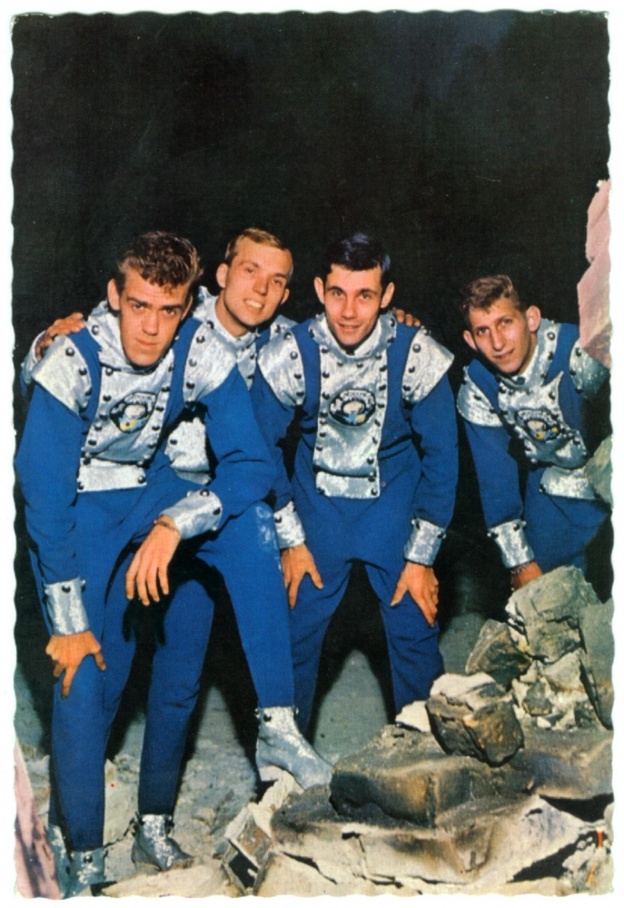 1963 Spotnicks mit Space suits