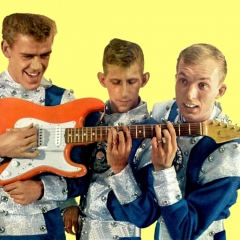 1964 Spotnicks with space suits