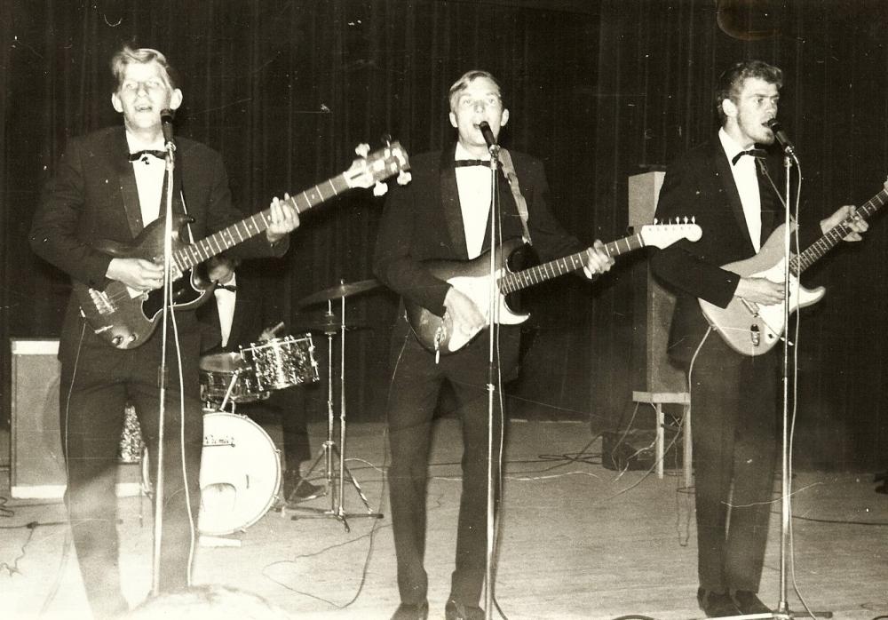 1965 A Spotnicks live 2