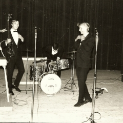 1965 A Spotnicks live drumsolo