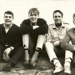 1965 B Spotnicks Gruppenfoto sitzend