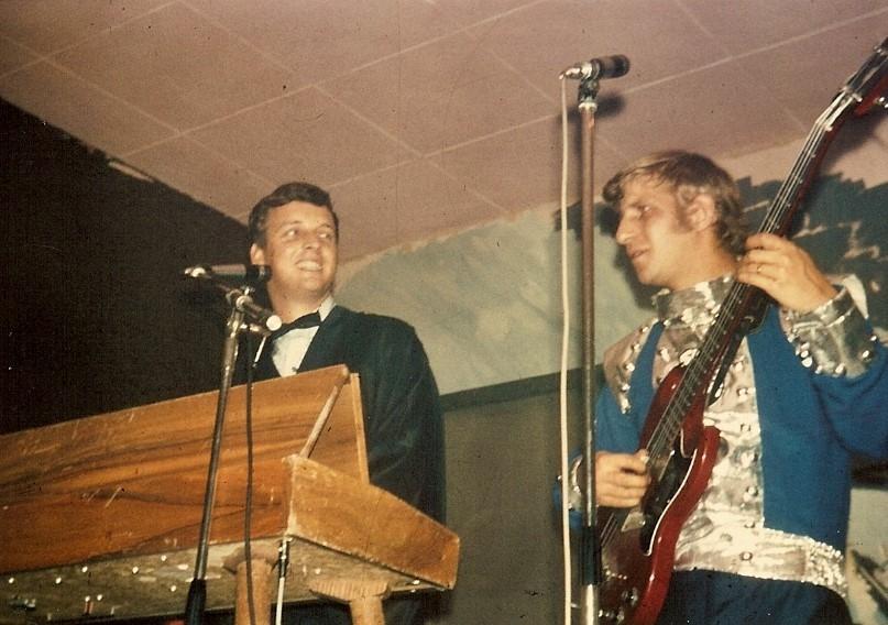 1966 Spotnicks live 2 (19)
