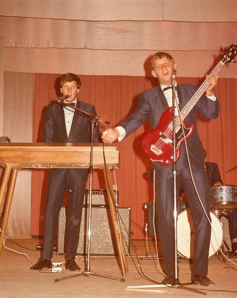 1966 Spotnicks live 2 (20)