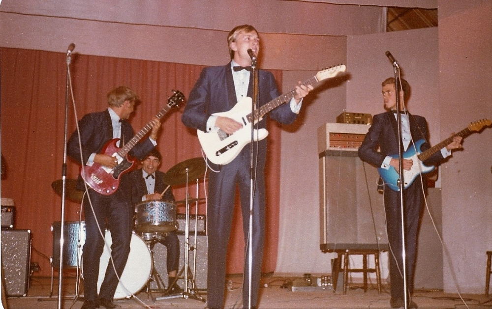 1966 Spotnicks live 2 (4)