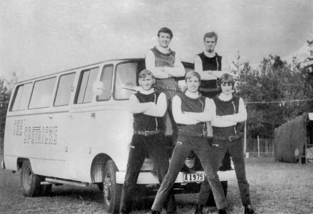 1967 Spotnicks Tourbus (2)