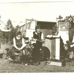1967 Spotnicks Tourbus (1)