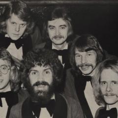 1974 11 Spotnicks Gruppenfoto m Todde (4)