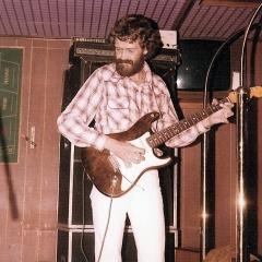 1976 11 Bo live orig Spotnicks tour