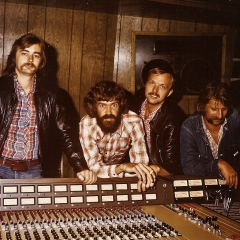 1976 Spotnicks original 1 Studio (2)