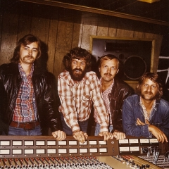 1976 Spotnicks original 2 Studio (2)