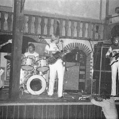 1977 09 Spotnicks live Bonanza 1