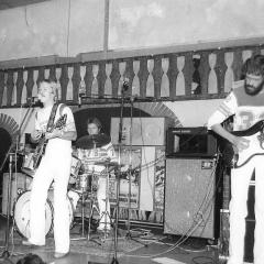 1977 09 Spotnicks live Bonanza 2