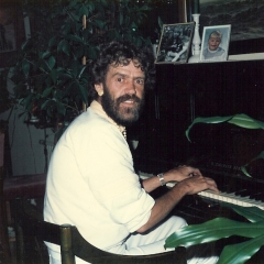 1984 11 Bo am Klavier