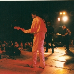 1997 05 Spotnicks live 3