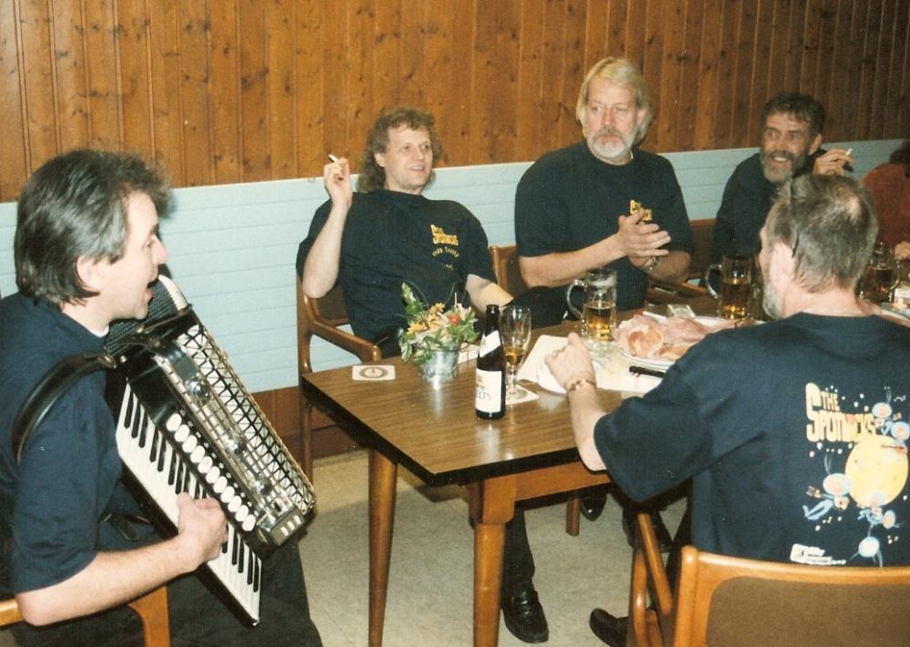 1998 11 Spotnicks backstage Friedel