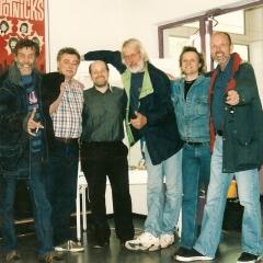 2001 06 Spotnicks Bernie FHH