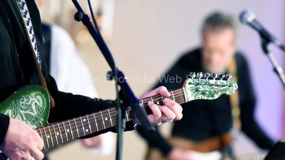 gitarriff-det-bjods-pa-ett-oc