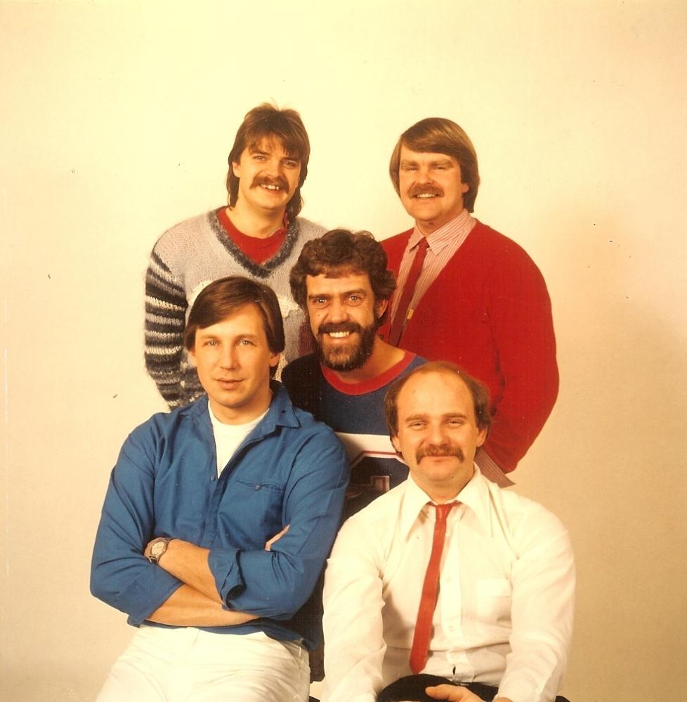 1983 (8)