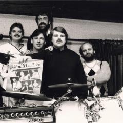 1983 (10)