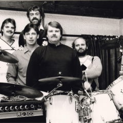 1983 (11)